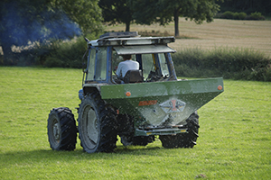 Tractor spreading G-Lime